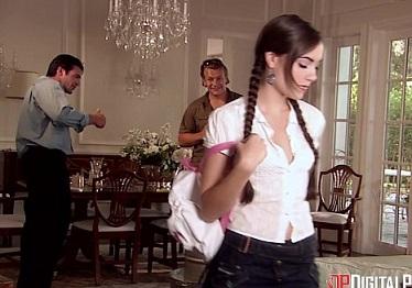 Imagen Sasha Grey follada en un gangbang por los amigos de su hermano