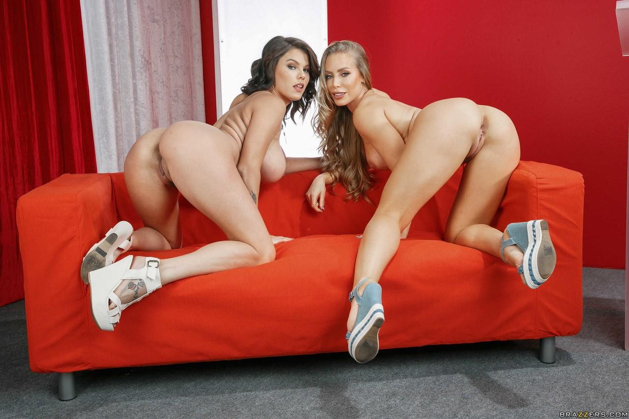 Imagen Peta Jensen y Nicole Aniston posando desnudas y en lencería