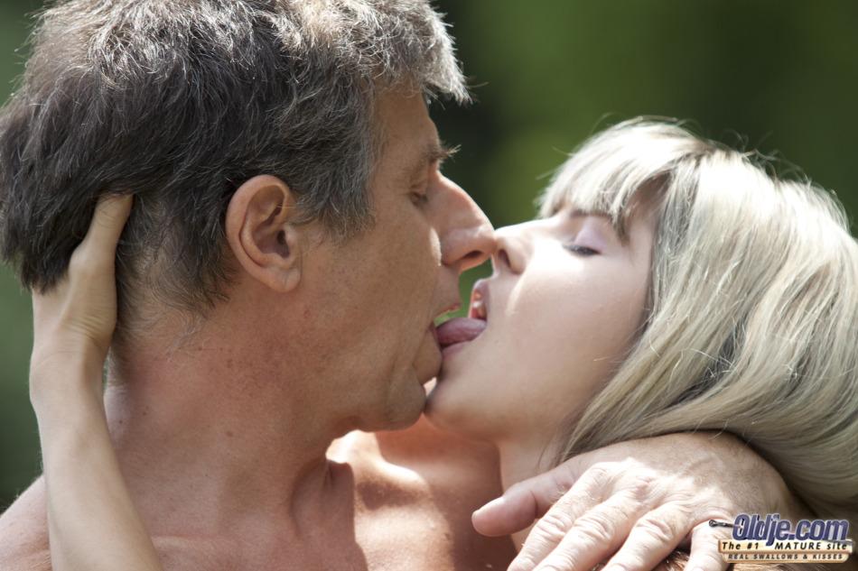 Imagen Gina Gerson recurre a su viejo jardinero para tener un orgasmo