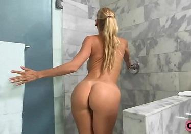 Imagen Alexis Fawx recibe una follada salvaje en la ducha